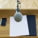 Igurhn0rii4hjctowwgg+microphone_podium