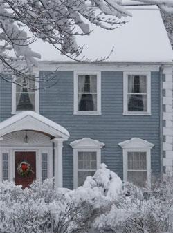 Uxehzkper9s2uiq7hdjs+snowy_house